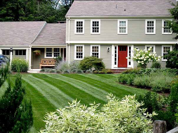Finest lawn care our premium program finest green for Garden maintenance plan